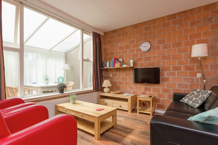 Unique Holiday Home with Jetty in Enkhuizen
