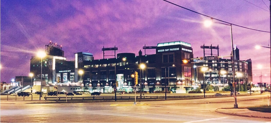 Under the Lights of Lambeau