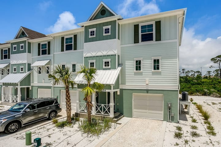 Lost Key Golf & Beach Community- Book Today! Looking for a Snow Bird
