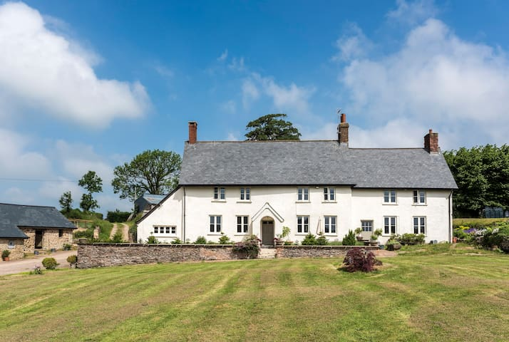 Gorgeous, ground floor apartment in country house.