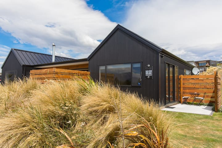 Sunny, Self Contained Lake Tekapo Apartment