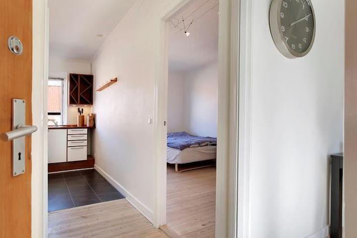 2 rooms flat 15 min. outside Copenhagen - Glostrup - Daire