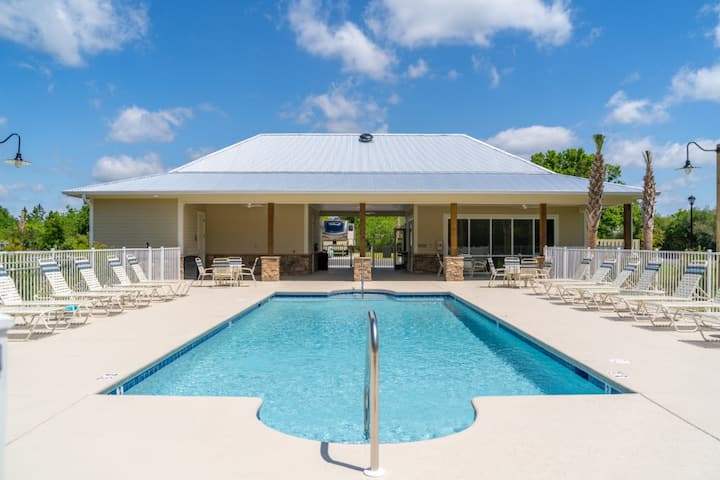 Beautiful Creekside RV Resort - Lot #25