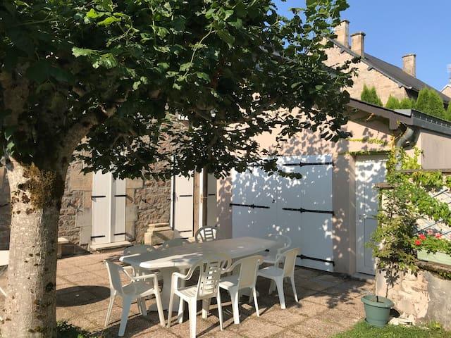 Meublé de Tourisme Classé 2 * 2 chbres  en Corrèze