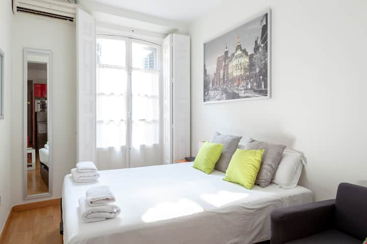 BEST LOCATION IN CENTRAL MADRID CHUECA