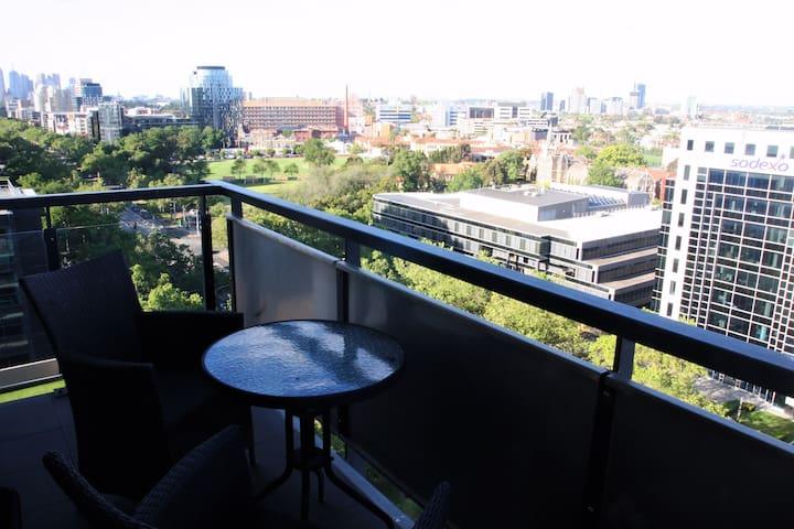 Spacious Penthouse near Beach with City views