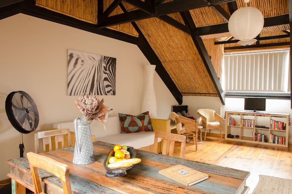 Sundowner Loft Dining and Lounge area