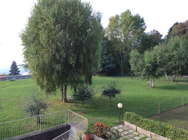 Galbiate:  bella ed accogliente stanza singola - Villa Vergano - Apartemen