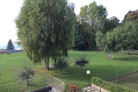 Galbiate:  bella ed accogliente stanza singola - Villa Vergano - Apartment