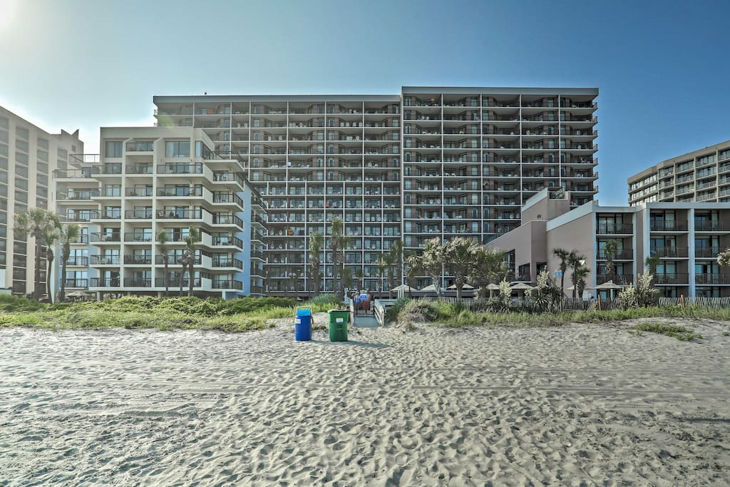 This unit offers breathtaking views of the Atlantic Ocean and access to 720 feet of a private resort beachfront.