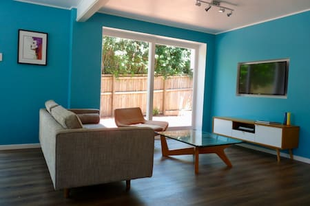 Modern self-contained unit in Kenmore - Brisbane