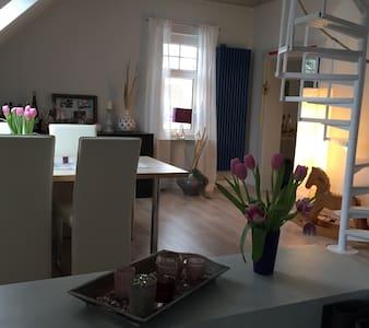 Gemütliche Wohnung im Herzen der Wedemark - Wedemark - Apartamento