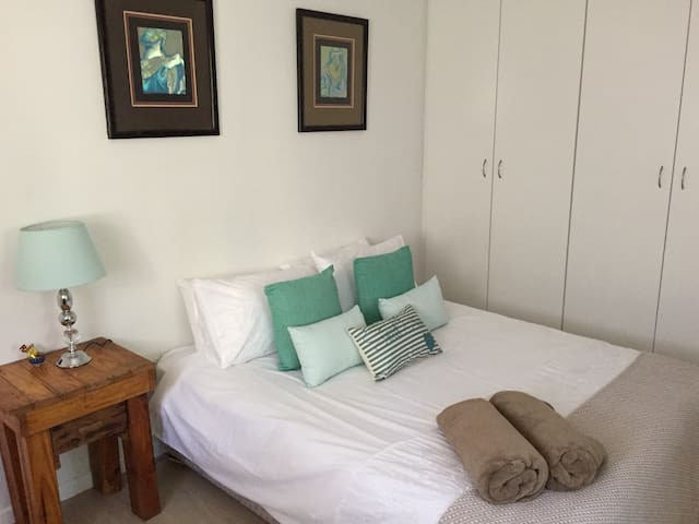 Warm and inviting - Sea Pumpkin Cottage - Fisherhaven - Bungalow