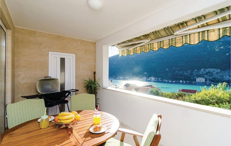 Holiday apartment with 3 bedrooms on 87 m² in Mokosica