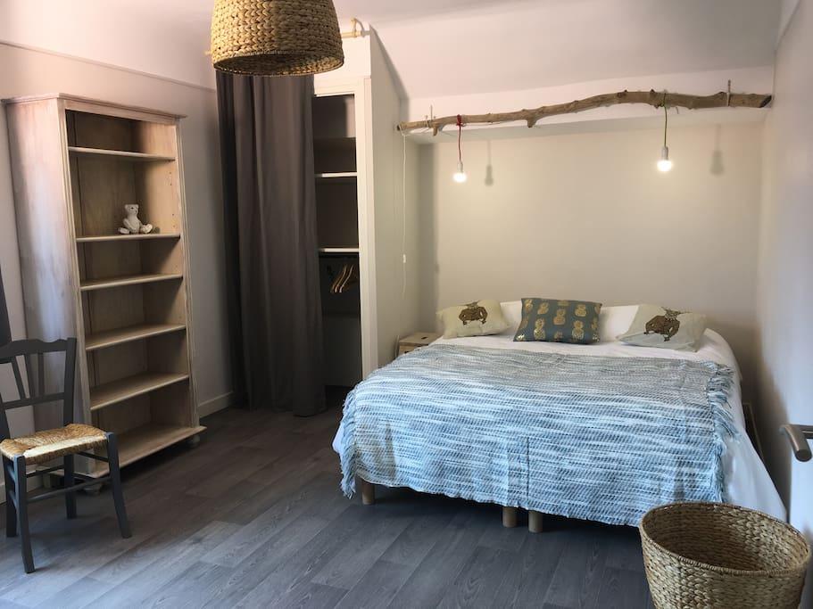a 50m du lac commerce resto quartier r sidentiel 4 appartements louer annecy le vieux. Black Bedroom Furniture Sets. Home Design Ideas