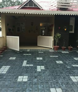 3 Bedroom House With Majestic View of Hills - Kasauli - Villa