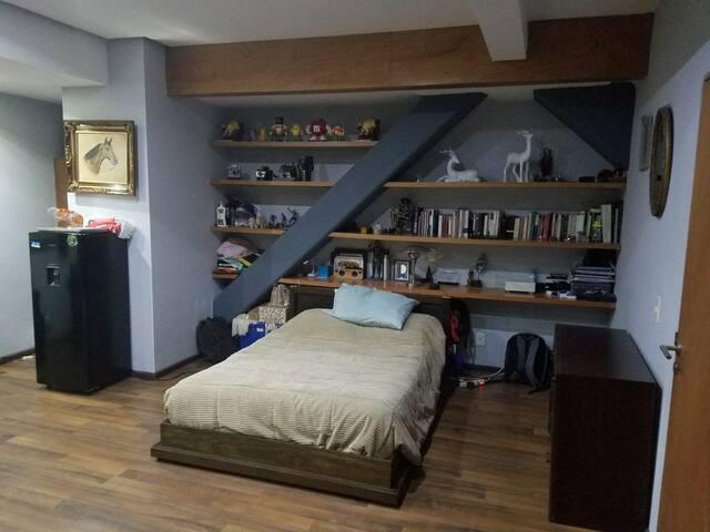 La mejor ubicación, amplio y cómodo.