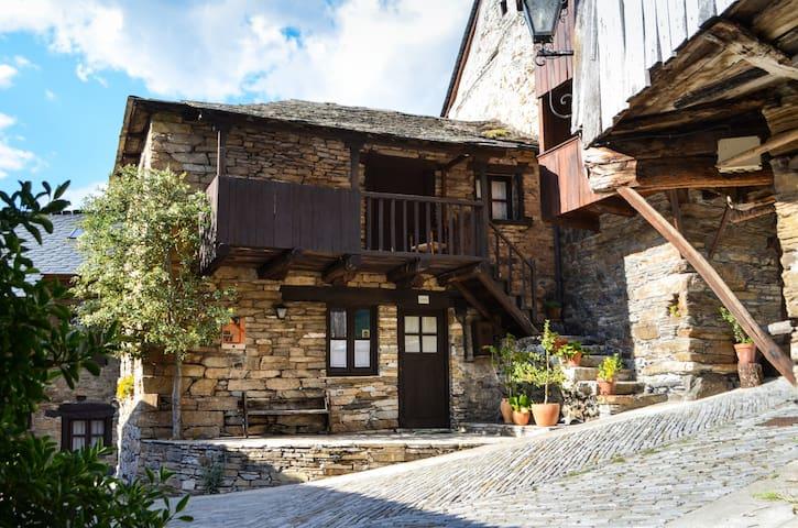 Casa Elba, encanto rural en Peñalba de Santiago