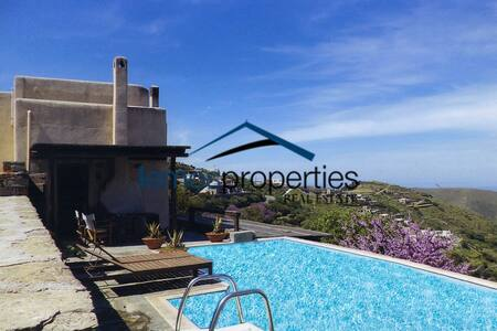 Sunny house with a swimming pool and a sea view - Kéa - Dom