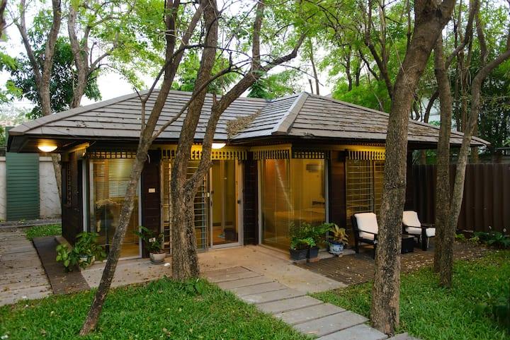 Opening Garden space in Bangkok No.1,Free WiFi