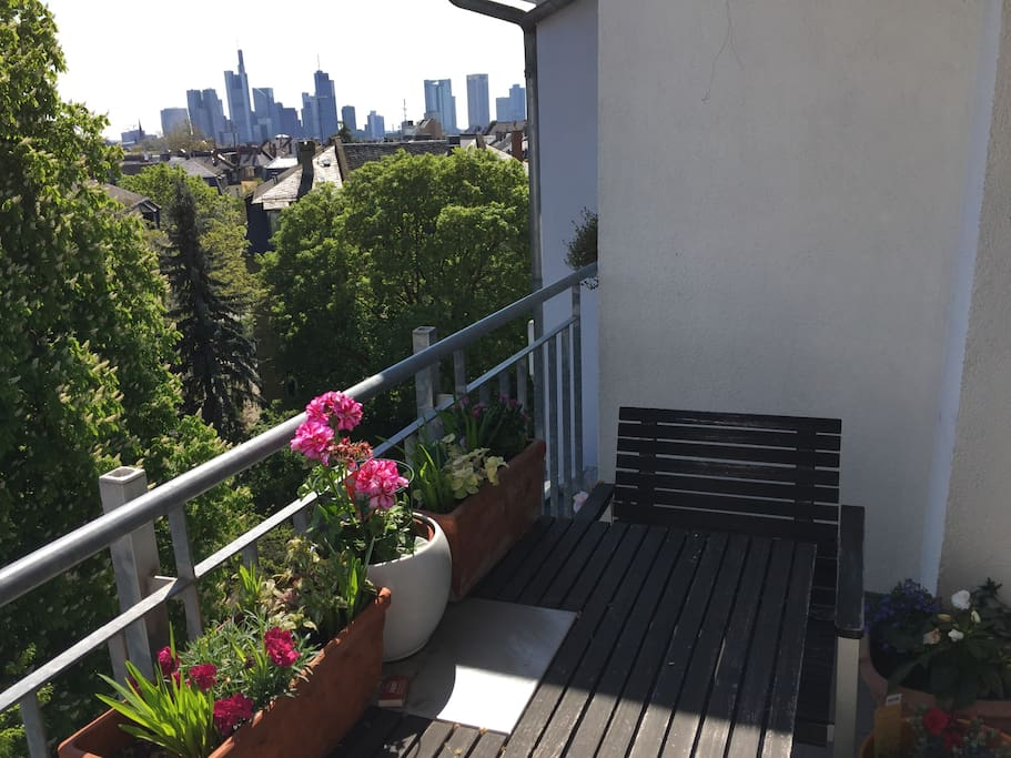 terrace with 2 chairs with view on Center City skyline