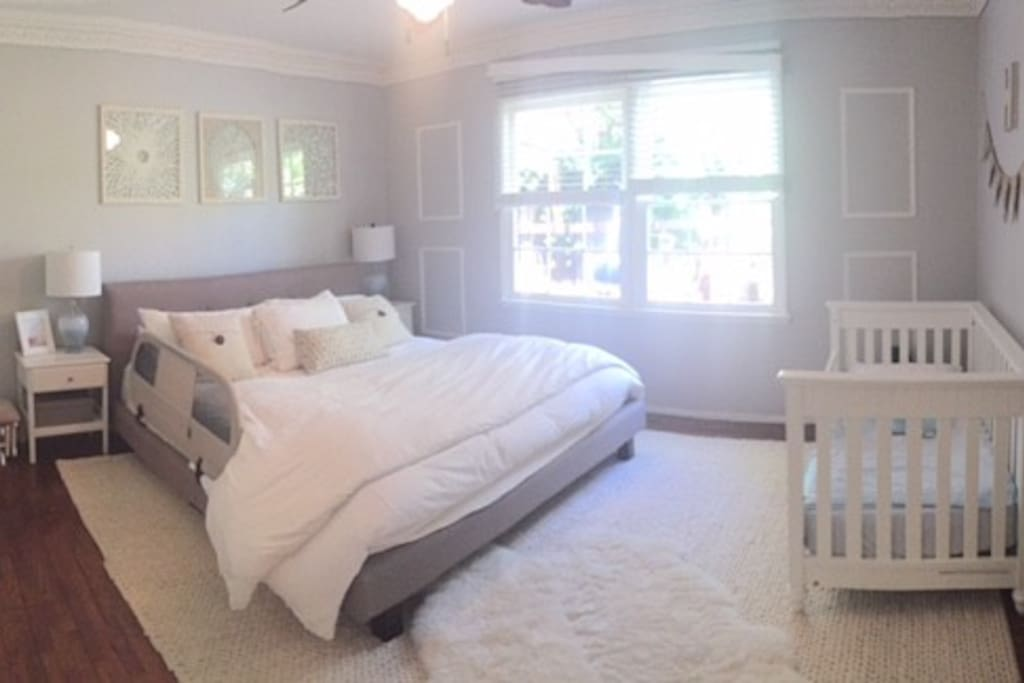 Master bedroom with bathroom - King Bed