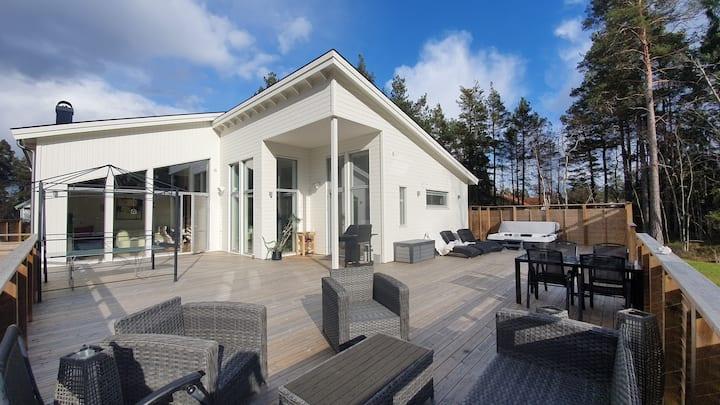 Stor villa på Ingarö med närhet till stränder
