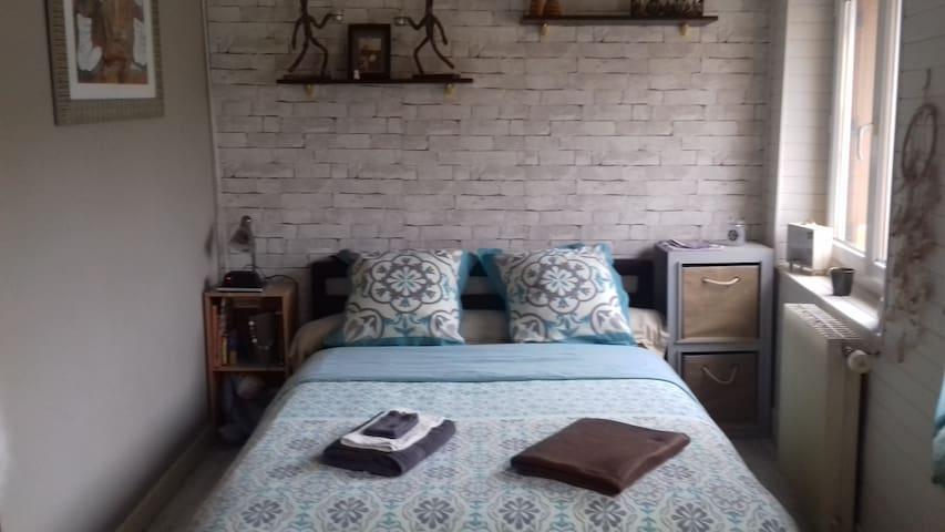 1 Chambre dans maison de village