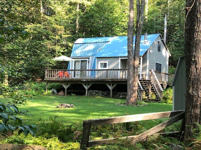 Peaceful Mod Cabin in the Catskills