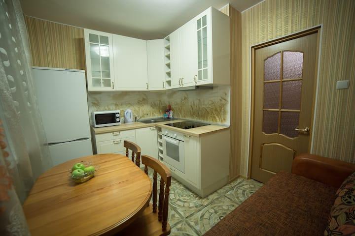 SweetHome Apartments on Traktornaya,4
