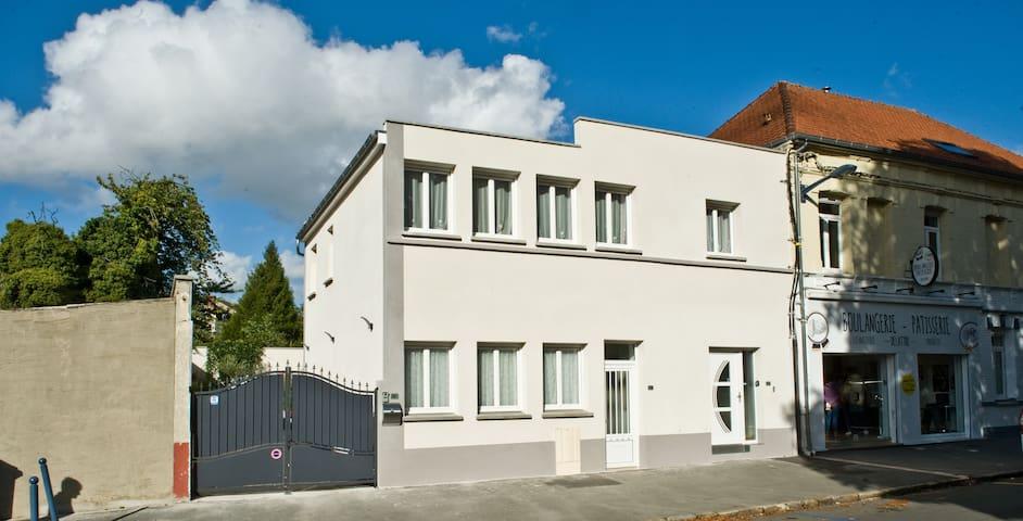 Appart42 m² 5min pied du centre 2min gare tgv-fac