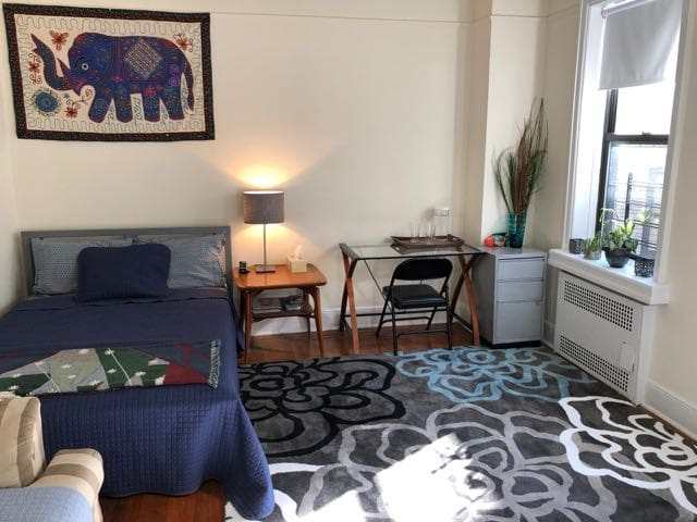 Spacious, Kid-Friendly, and 15-20 Mins. to Midtown