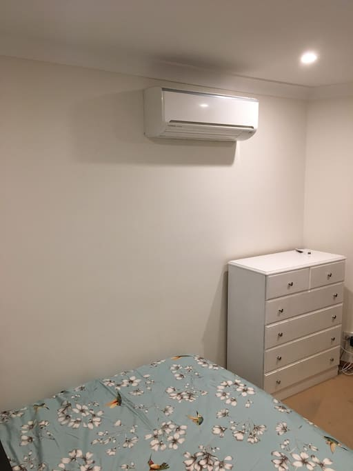 Personal reverse cycle air conditioner for your comfort