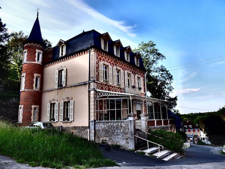 Appartement meublé à Evaux-les-Bains
