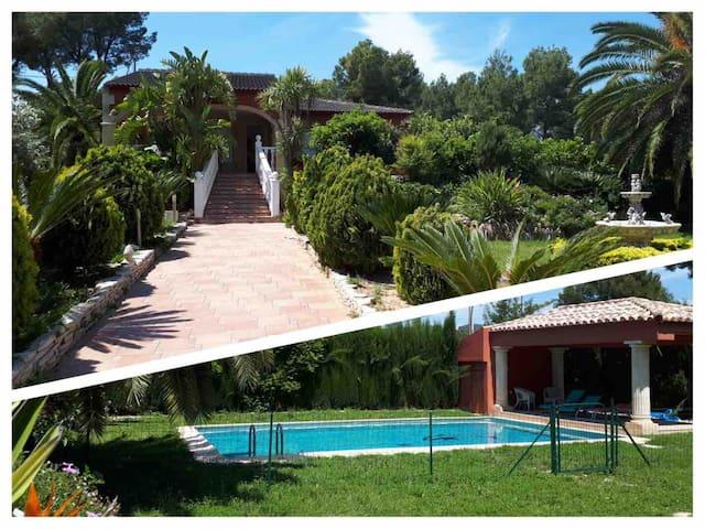 Jolie villa typique, privatisée, près de Valencia