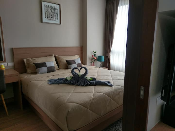 Nice one bedroom in the center of Si Racha