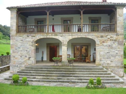 Villa San Pelayo. PICOS DE EUROPA