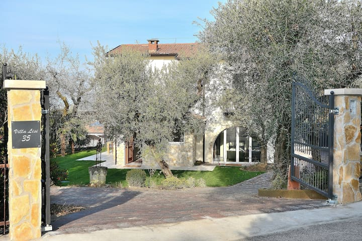 Villa Lisi - 8 sleeps, garden and shared pool - Bardolino - Bardolino - Villa