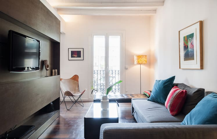 DESIGN APARTMENT IN BARCELONA