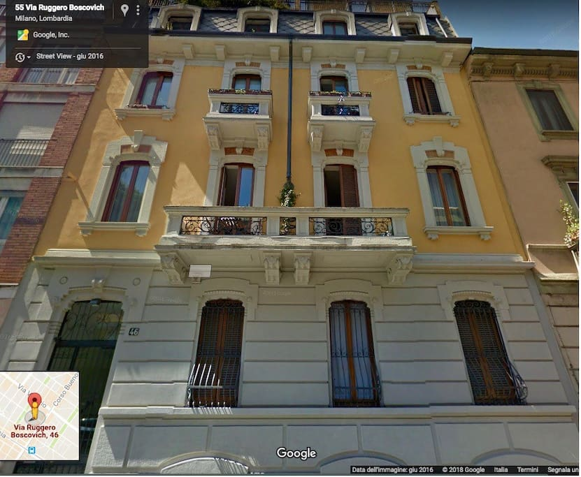 Amazing modern flat porta venezia area appartamenti in for Porta venezia metro
