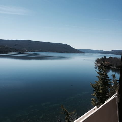 Canandaigua Lakefront Retreat