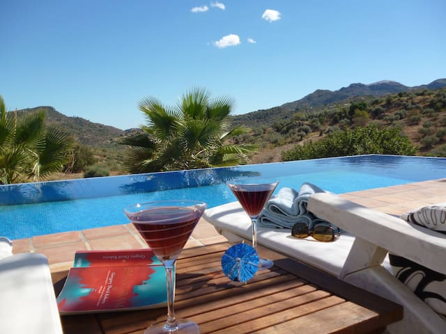 *ESCAPE*PRIVATE*VILLA*TRANQUIL*INFINITY*POOL*WIFI* - Comares - Villa