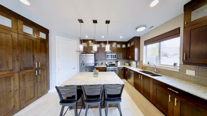 Entrada at Moab #420, Brand New 3 Bedroom Townhome With Upstairs Deck In Downtown Moab - Entrada at Moab #420