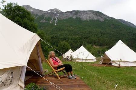 Meretes Garden - yoga, spa, retreat - Valldalen - Tipi