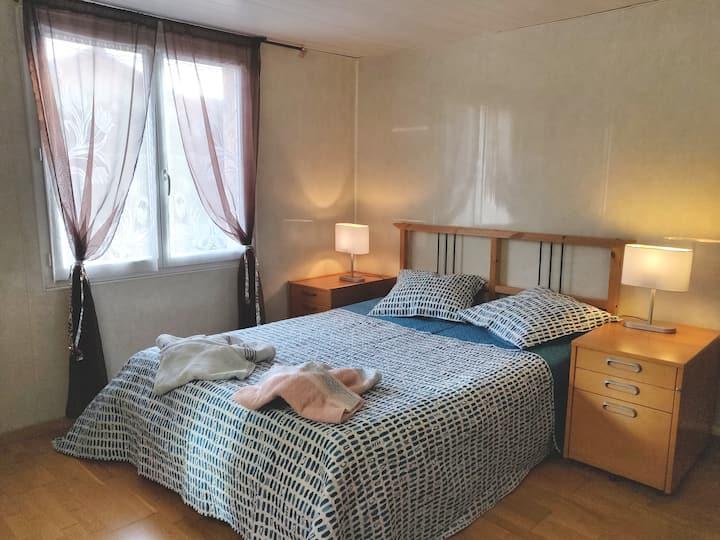 Chambre spacieuse au calme, proche de Lyon