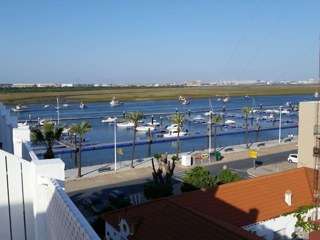 Atico con espectaculares vistas a la ria - Punta Umbría - Apartamento