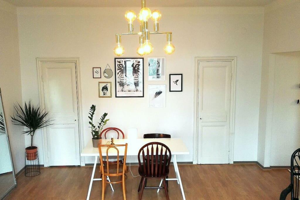 Livingroom part 2.