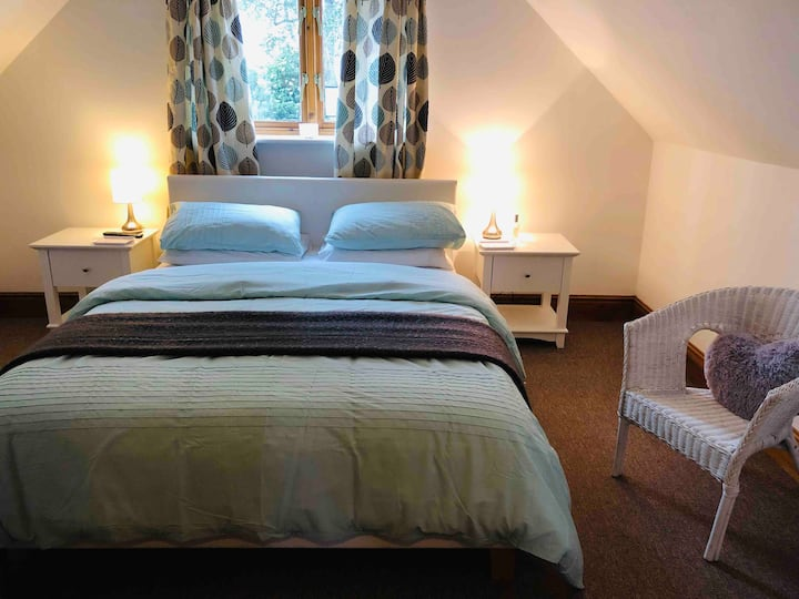 The Rest, private, peaceful with countryside views