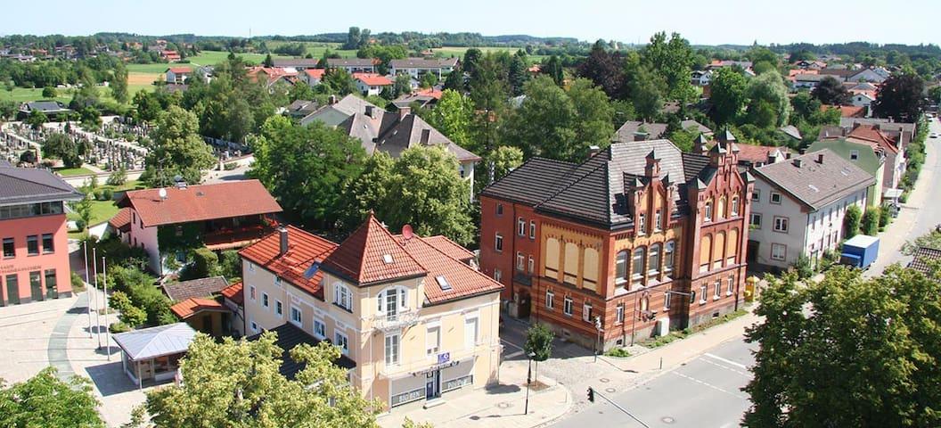 Charmante Wohnung - Balkon + Garten bei Rosenheim