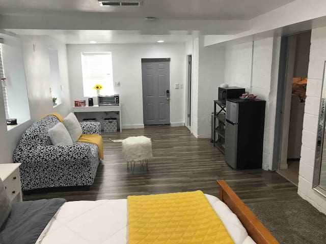 Atlanta Guest Suite--Close to Downtown and Airport